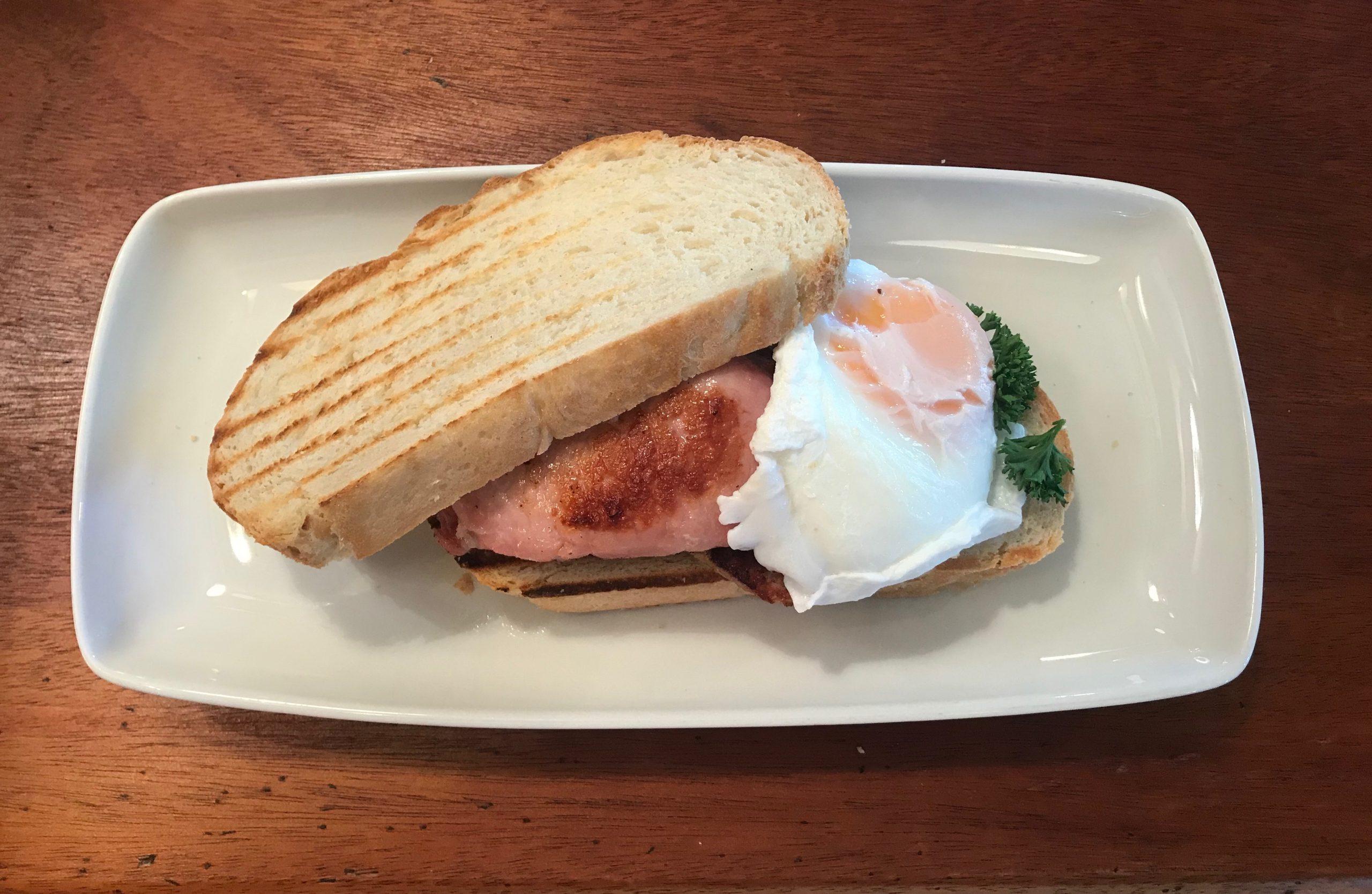 Breakfast at Daffies